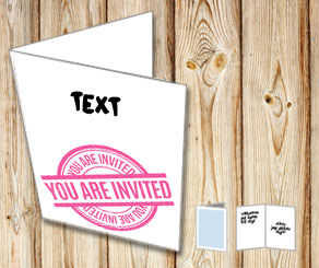 Inbjudningskort: You are invited med text (rosa)