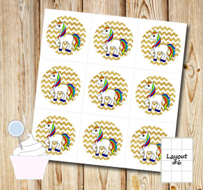 Cupcake toppers: Golden chevron pattern with unicorns  | Free printable cupcake wrappers and toppers