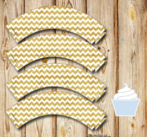Chevron pattern cupcake wrappers with gold glitter  | Free printable cupcake wrappers and toppers