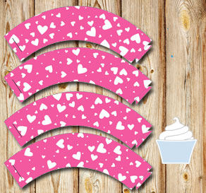 Pink cupcake wrappers with white hearts  | Free printable for Valentines day