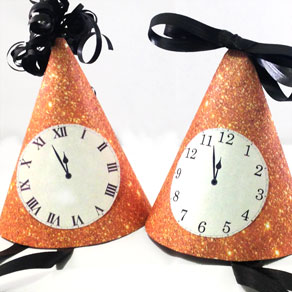 Labels with clock faces  | Free printable for New Years Eve