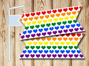 Straw decoractions with colorful hearts  | Free printable for Valentines day