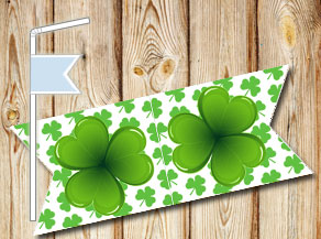 Straw decorations with green shamrock  | Free printable straw decorations
