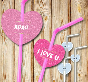 Straw decorations with pink glitter hearts and text  | Free printable for Valentines day
