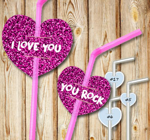 Straw decorations with pink glitter hearts and text 2  | Free printable for Valentines day